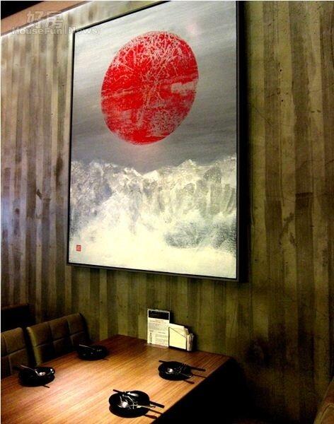 3.一樓前屋的掛畫,讓這間酒吧還具有文藝氣息。