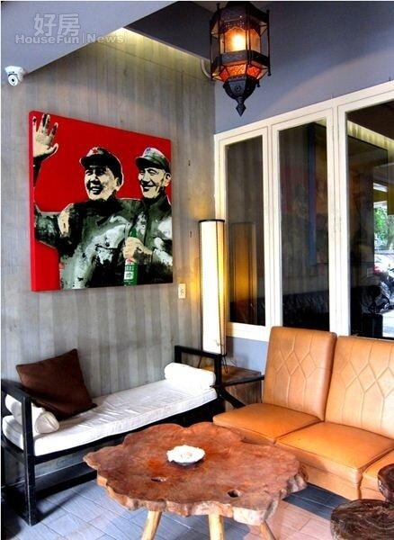 1.Lily餐廳的門口掛了幅現代繪畫,從門口起就頗具風格。