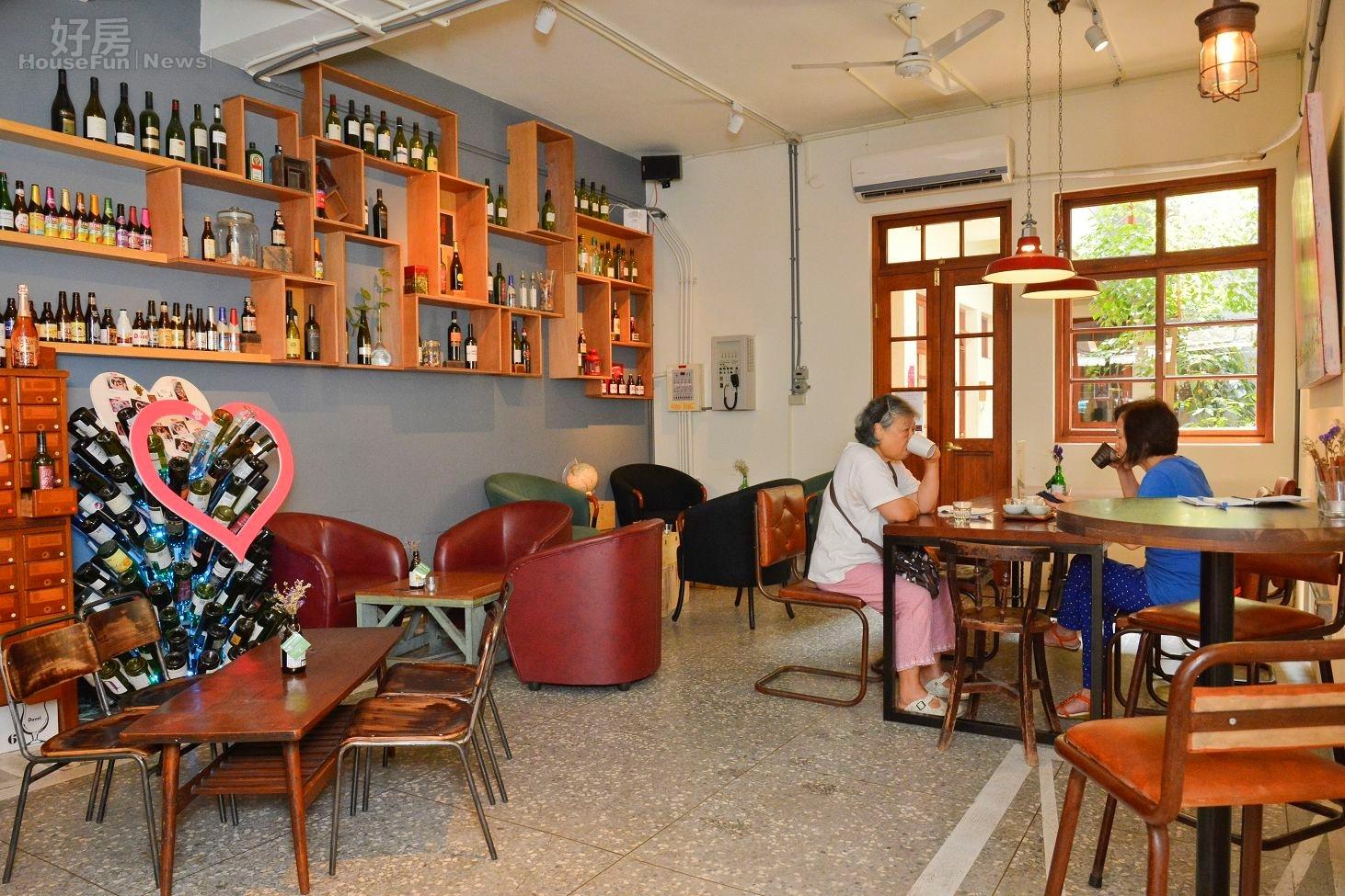 百年老房改造咖啡廳/60萬裝潢創造歐美新時尚/洛咖啡 Le Zinc。(好房網News記者 陳韋帆/攝影)