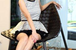 擁有一雙美腿與甜美笑容的廖盈婷,有著「新聞界安心亞」的封號,人氣也持續高漲中。