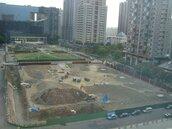 十字軸線停車場及公園興建工程 預定103年底完工