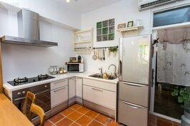 為了讓住在民宿的客人可以大展廚藝,小白屋內的廚具是柯姊精挑細選,飄洋過海來到台灣。