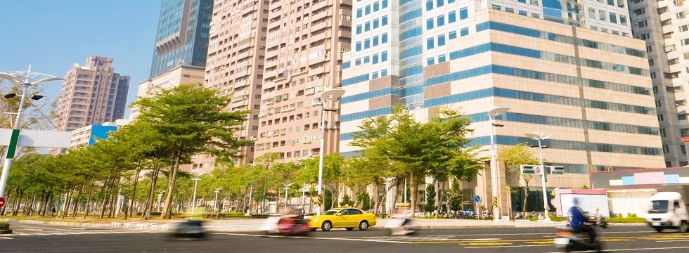 高雄 大樓 馬路街道(大刊頭)