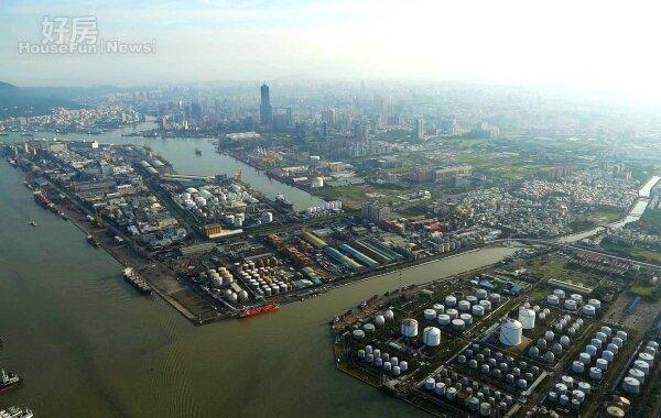 走過氣爆事件影響,高雄市的亞洲新灣區已進入第二發展階段。(高雄市政府提供)