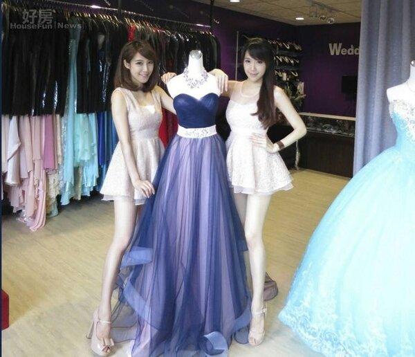 9.依依與佩佩開的婚紗店,是兩人合資買下,生意蒸蒸日上。