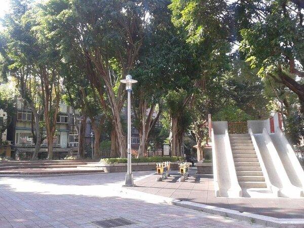 5.正對面為新龍公園,住戶運動超方便。