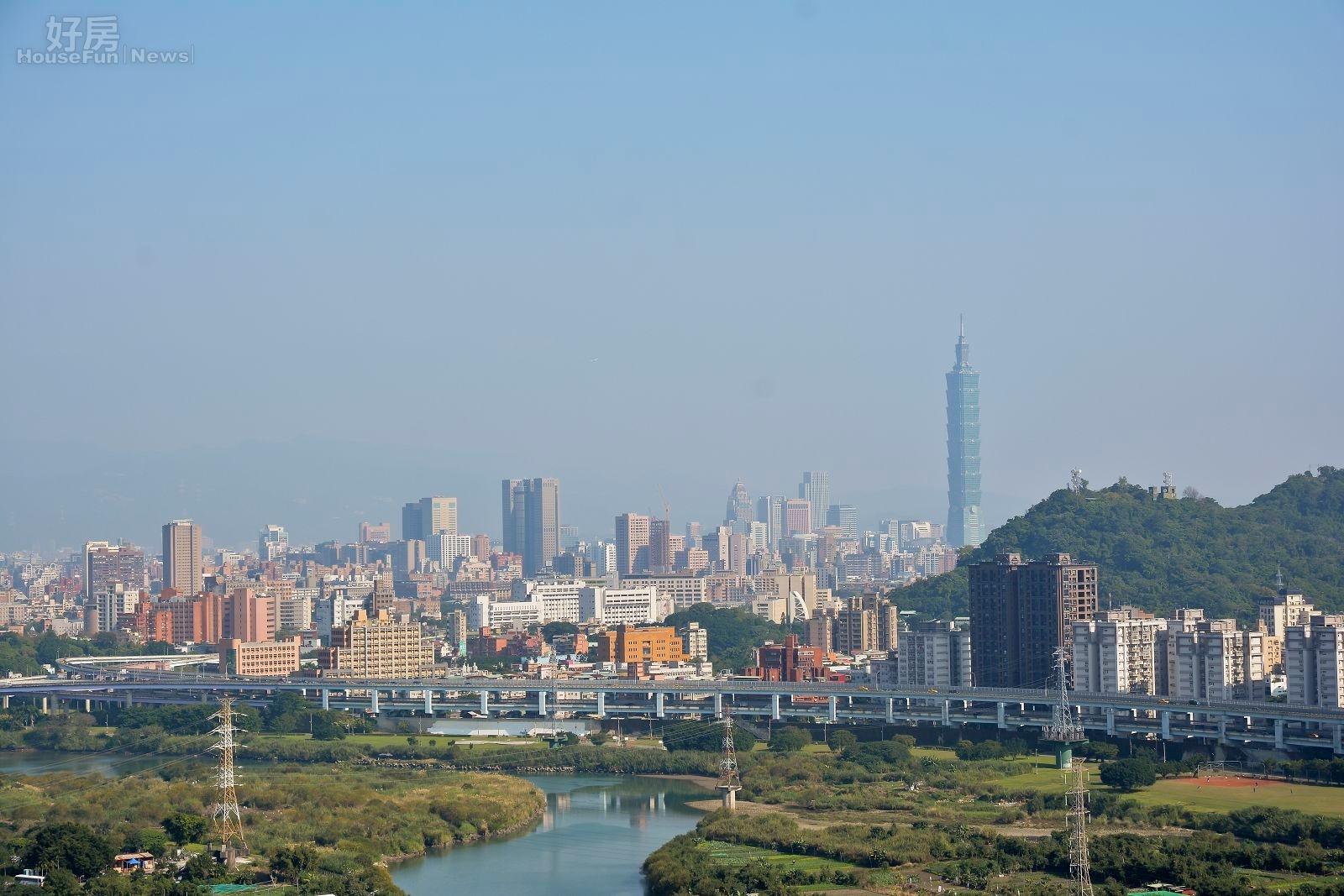 新北市河岸有許多風景優美的住宅,距離台北市也只是一橋之隔。(好房網News記者 陳韋帆/攝影)