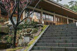 賞完櫻花可別急著走,祖師禪林的日式建築值得探訪。