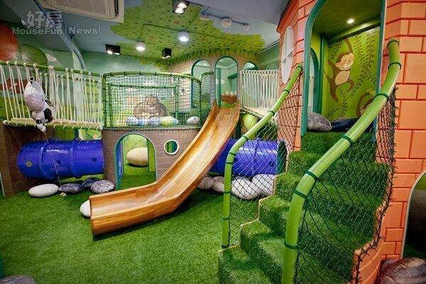4.樹屋區有著溜滑梯與通道,可以讓小朋友們消耗體力。