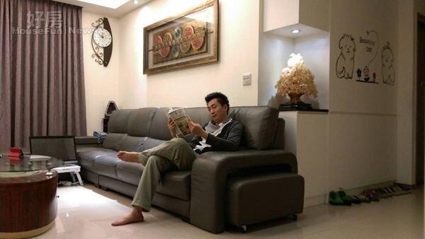 2.徐新寧兩年半前以1,590萬價格換進大四房,總坪數為75坪,室內設計走的是現代簡約風。