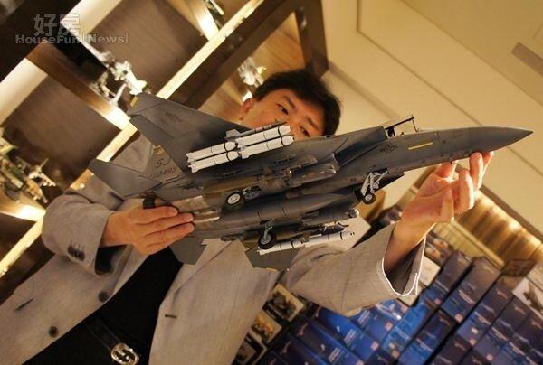 8.大多數1/72比例的戰機,都是請國外師傅純手工訂製的,有些精緻到甚至連輪胎紋路、飛彈架…等細節都有做出來。